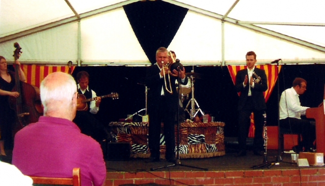 With Allen Beechey's Bright Stars, Upton 2007
