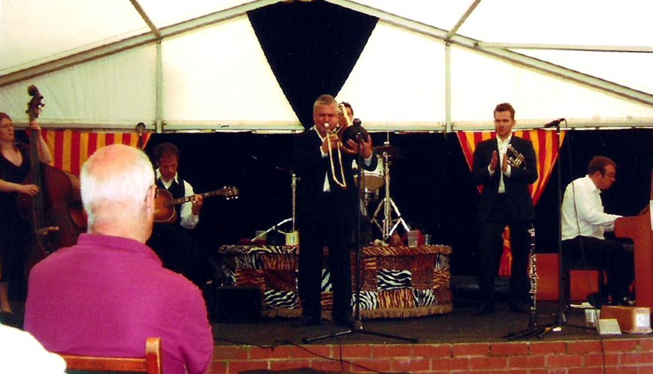 With Allen Beechey's Bright Stars, Upton 2007